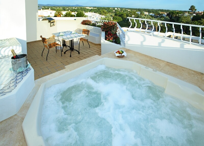 Two Bedroom Apartment With Jacuzzi