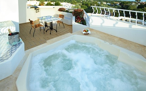 Two Bedroom Apartment  With Jacuzzi - image #4
